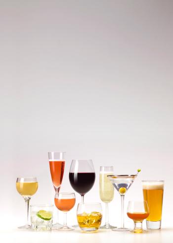 White Wine「Abundance of various drinks in glasses」:スマホ壁紙(0)