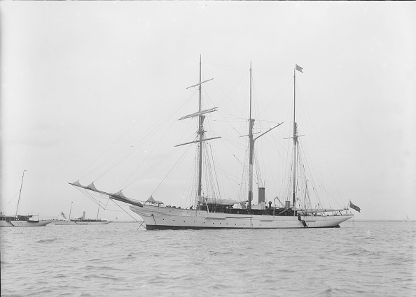 Anchored「Unknown Barquentine At Anchor」:写真・画像(4)[壁紙.com]