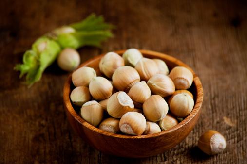 Frond「Fresh hazelnuts」:スマホ壁紙(12)