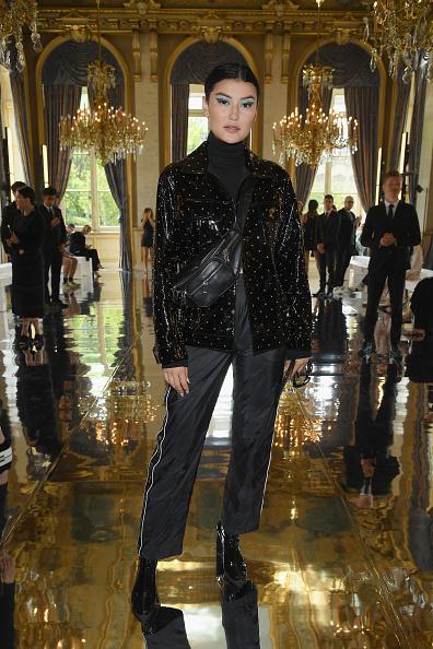 Black Color「Balmain: Front Row - Paris Fashion Week - Menswear Spring/Summer 2019」:写真・画像(6)[壁紙.com]