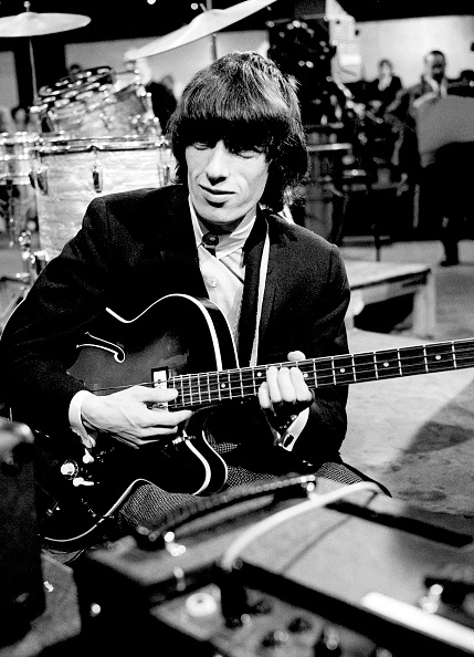 Plucking An Instrument「Stones Rehearse For TV Show」:写真・画像(7)[壁紙.com]
