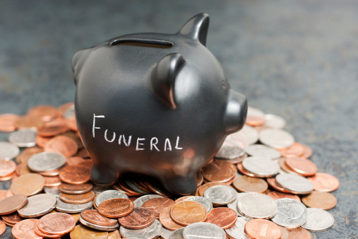 "Budget「""Funeral"" Piggy Bank on Coins」:スマホ壁紙(7)"