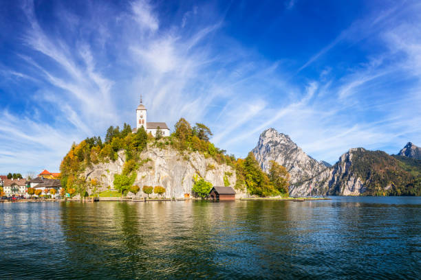 Traunsee lake in Alps - upper austria:スマホ壁紙(壁紙.com)