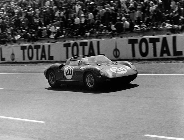Ferrari「1964 Le Mans winning Ferrari 275P driven by Guichet - Vaccarella」:写真・画像(4)[壁紙.com]