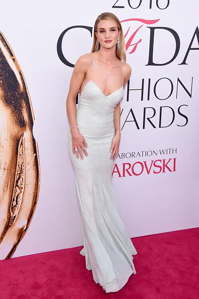 Rosie Huntington-Whiteley「2016 CFDA Fashion Awards - Arrivals」:写真・画像(4)[壁紙.com]
