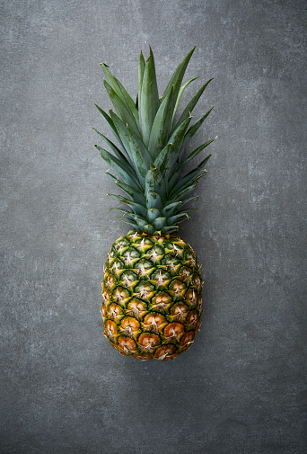 Textured Effect「a Pineapple on concrete surface」:スマホ壁紙(3)