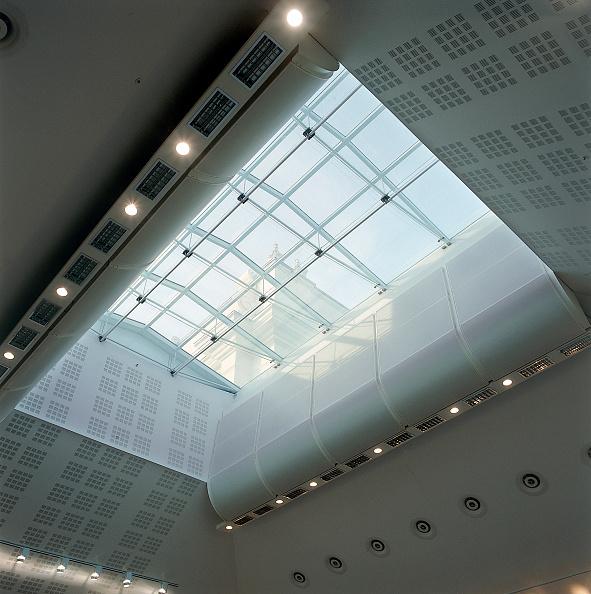 Ceiling「Ceiling of ballet rehearsal studio Royal Opera House Covent Garden London, United Kingdom」:写真・画像(15)[壁紙.com]