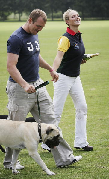 Holding Hands「Army v Navy Match For The Rundle Cup」:写真・画像(4)[壁紙.com]