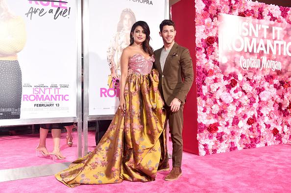 "Pale Pink「Premiere Of Warner Bros. Pictures' ""Isn't It Romantic"" - Red Carpet」:写真・画像(16)[壁紙.com]"
