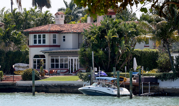 Miami Beach「Flood Insurance Rates Rise As New Federal Bill Goes Into Effect」:写真・画像(10)[壁紙.com]