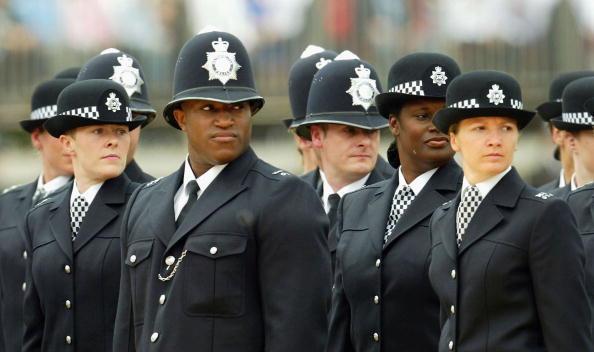 Multi-Ethnic Group「Metropolitan Police Service Celebrates 175th Anniversary」:写真・画像(13)[壁紙.com]