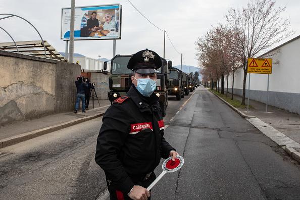 Mode of Transport「Italian Army Moves Covid-19 Victims From Bergamo Cemetery」:写真・画像(2)[壁紙.com]