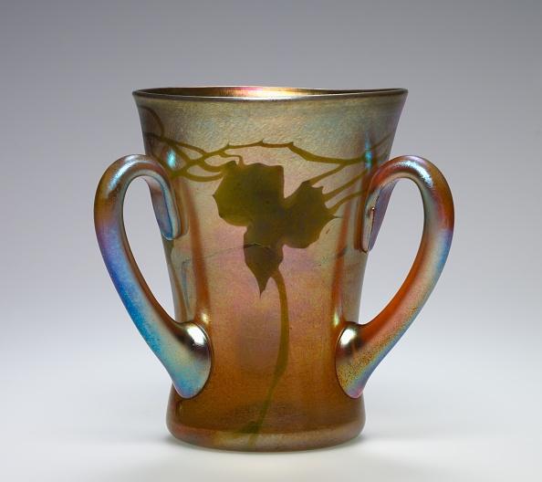 Creativity「Three-Handled Cup」:写真・画像(4)[壁紙.com]