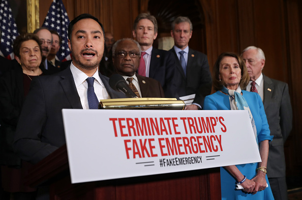 Accidents and Disasters「Speaker Nancy Pelosi Holds News Conference On Resolution To Terminate President Trump's Emergency Declaration」:写真・画像(0)[壁紙.com]