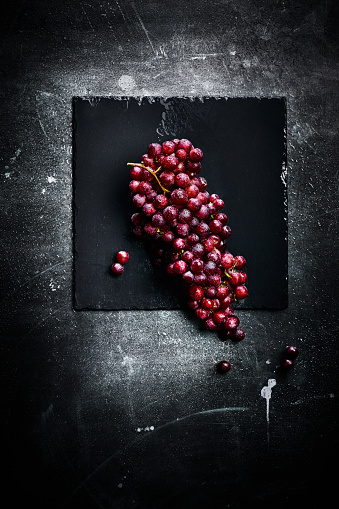 Grape「Bunch of red grapes」:スマホ壁紙(1)