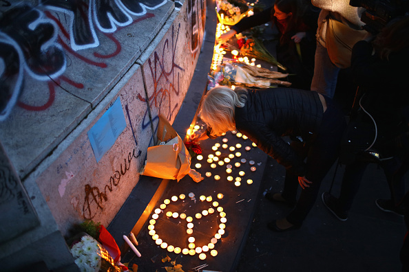 Candle「Significant Death Toll Feared In Paris Terror Attacks」:写真・画像(17)[壁紙.com]