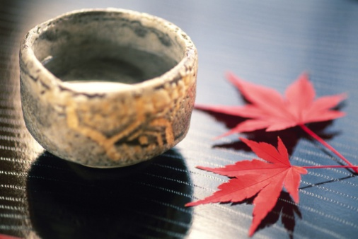Sake「A Japanese rice wine cup and colored leaves, Close Up, High Angle View」:スマホ壁紙(1)