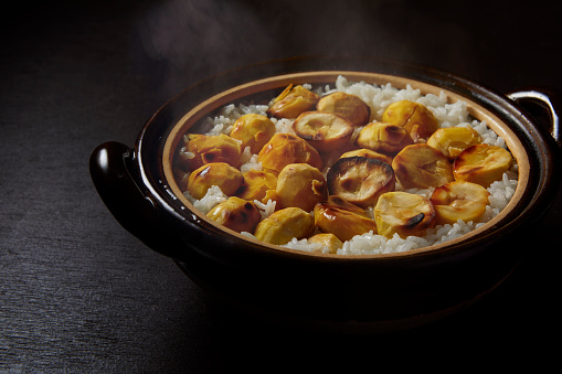 chestnut「Japanese Rice in a traditional cooked kettle」:スマホ壁紙(12)