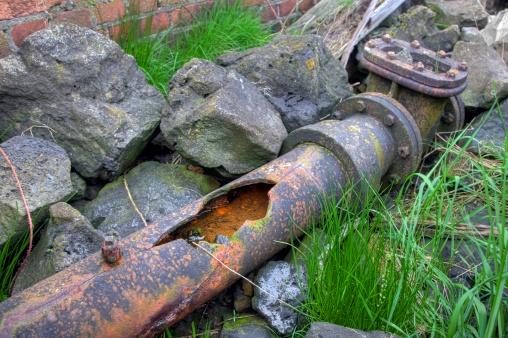 Cast Iron「Broken cast iron water pipe」:スマホ壁紙(10)