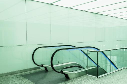 Escalator「Escalator in an office building」:スマホ壁紙(14)