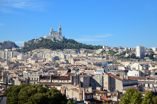 Cathedral「View over Marseille」:スマホ壁紙(12)