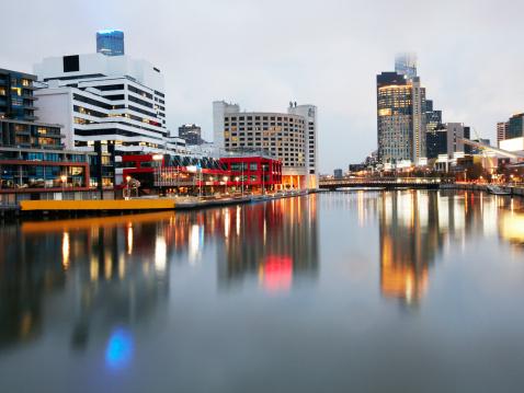 Melbourne Docklands「View over Melbourne and River Yarra」:スマホ壁紙(15)