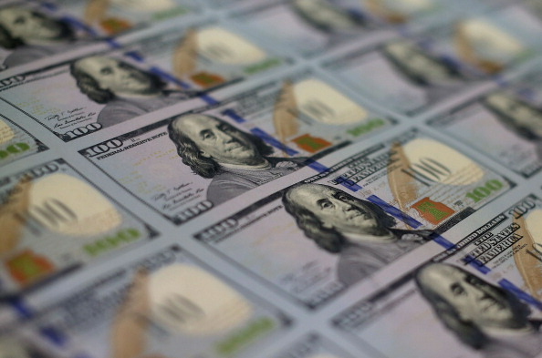 Stack「Bureau Of Engraving And Printing Prints New Anti-Counterfeit 100 Dollar Bills」:写真・画像(14)[壁紙.com]