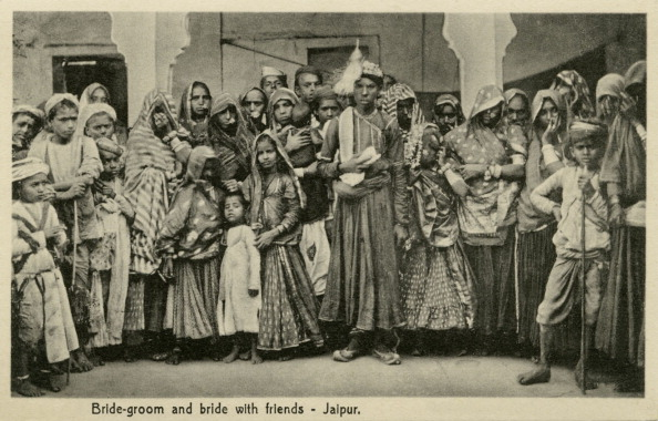 Rajasthan「Husband and Wife in marriage dress, Jaipur, India」:写真・画像(15)[壁紙.com]