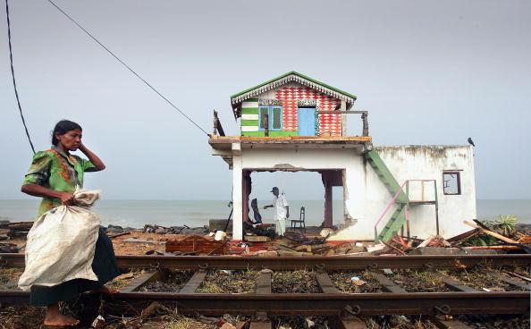 Sri Lanka「Clear Up Operation Continues In Sri Lanka」:写真・画像(16)[壁紙.com]