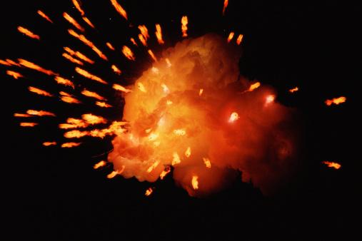 Fireball「Fireball with sparks emanating」:スマホ壁紙(4)