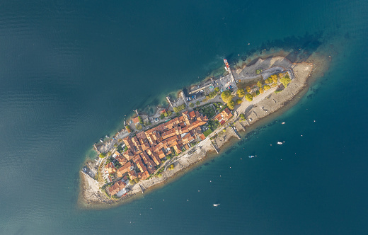 Piedmont - Italy「Island on a lake.」:スマホ壁紙(2)
