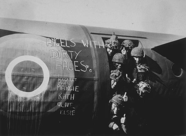 Military Airplane「Reinforcements」:写真・画像(11)[壁紙.com]