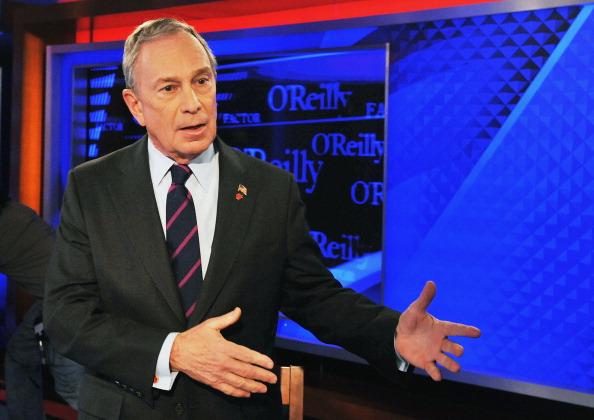 "Visit「New York City Mayor Michael Bloomberg Visits FOX's ""The O'Reilly Factor""」:写真・画像(18)[壁紙.com]"