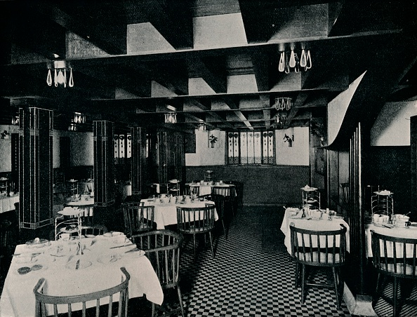 日本文化「The Old Kitchen at Miss Cranston's Tea House, Argyle Street, Glasgow, c1906.」:写真・画像(6)[壁紙.com]