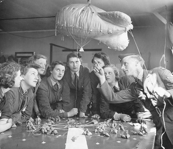 WAAF「Balloon Training」:写真・画像(6)[壁紙.com]