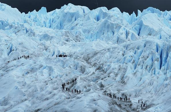モレノ氷河「Global Warming Impacts Patagonia's Massive Glaciers」:写真・画像(1)[壁紙.com]