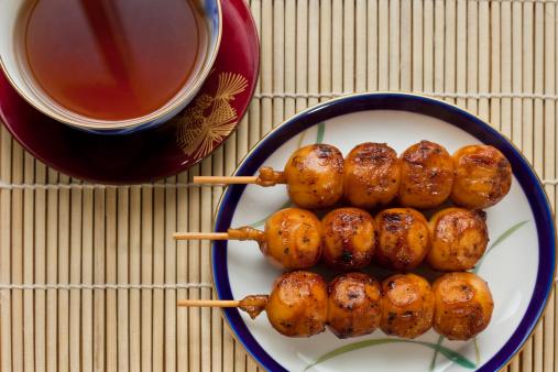 Wagashi「Dango with tea」:スマホ壁紙(4)