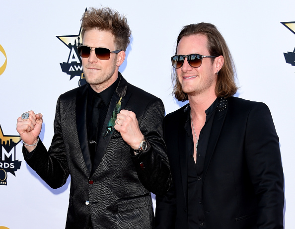 T 「50th Academy Of Country Music Awards - Arrivals」:写真・画像(17)[壁紙.com]