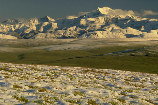 Arctic National Wildlife Refuge「Snow on Tundra and Mt. Chamberlin」:スマホ壁紙(8)
