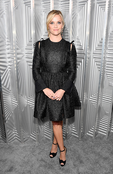 Reese Witherspoon「ELLE's 24th Annual Women in Hollywood Celebration presented by L'Oreal Paris, Real Is Rare, Real Is A Diamond and CALVIN KLEIN - Arrivals」:写真・画像(3)[壁紙.com]