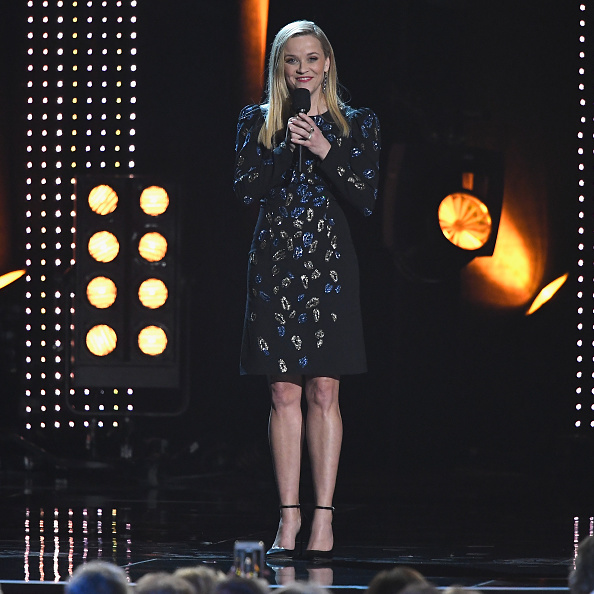 Reese Witherspoon「MusiCares Person Of The Year Honoring Dolly Parton - Inside」:写真・画像(11)[壁紙.com]