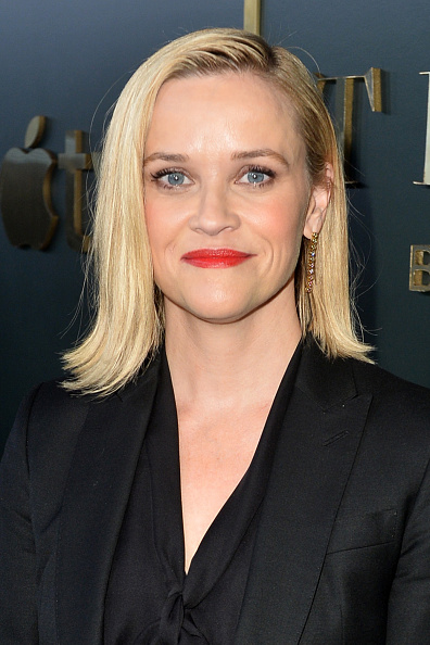 """Reese Witherspoon「Premiere Of Apple TV+'s """"Truth Be Told"""" - Red Carpet」:写真・画像(6)[壁紙.com]"""