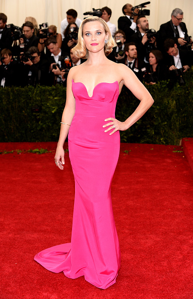 "Pink Dress「""Charles James: Beyond Fashion"" Costume Institute Gala - Arrivals」:写真・画像(4)[壁紙.com]"