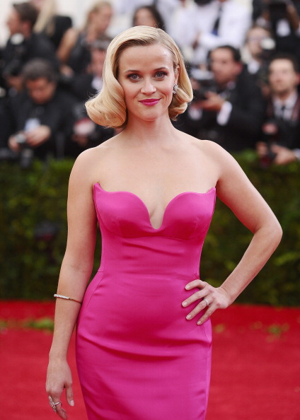 "Reese Witherspoon「""Charles James: Beyond Fashion"" Costume Institute Gala - Arrivals」:写真・画像(15)[壁紙.com]"