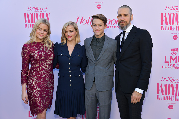 Reese Witherspoon「The Hollywood Reporter's Annual Women in Entertainment Breakfast Gala - Arrivals」:写真・画像(2)[壁紙.com]