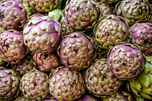 Fennel「A detail view of artichokes ready for cooking」:スマホ壁紙(6)