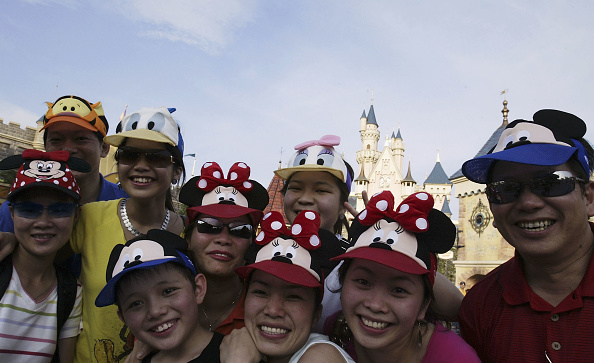 Disney「Grand Opening Of Disneyland In Hong Kong」:写真・画像(13)[壁紙.com]