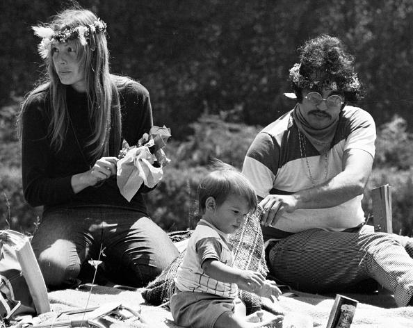 Summer「Hippie Family at Summer Solstice Love-In」:写真・画像(19)[壁紙.com]