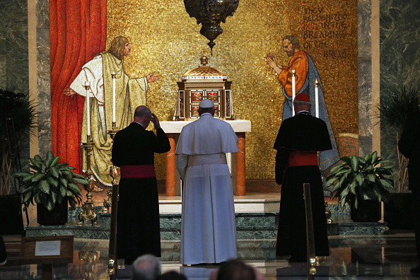 Architectural Feature「Pope Francis Attends Midday Prayer At St Matthew The Apostle Church In DC」:写真・画像(17)[壁紙.com]