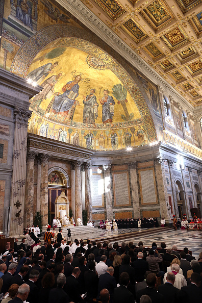 Religious Mass「Pope Francis Attends Mass For The Possession Of Saint Paul Basilica」:写真・画像(3)[壁紙.com]